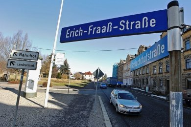 Auf der Erich-Fraaß-Straße in Glauchau kollidierte der T5 mit dem Peugeot. Der Fall landete vor Gericht.