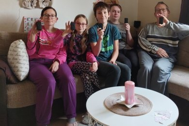 Jasmin, Josephine, Renè, Rocco und Jan Langer (von links) mit ihren Buzzern.