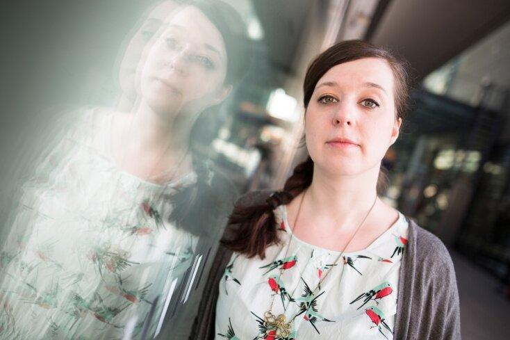 Verzerrte Bilder der Wirklichkeit will sie scharf stellen: Karolin Schwarz. Die 30-Jährige aus Leipzig hat mit einem Freund eine Internetseite entwickelt, auf der sie Gerüchte über Flüchtlinge widerlegen. Dafür bekommen sie mehr Beifall, als sie es für möglich hielten.