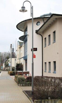 Mit Fördermitteln ist unter anderem die Umstellung der Straßenbeleuchtung auf der Dresdner Straße in Niederwiesa erfolgt.