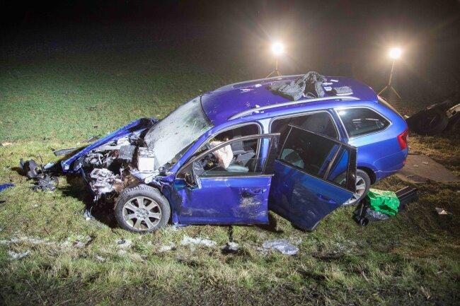 Insgesamt waren an dem Unfall drei Fahrzeuge beteiligt.
