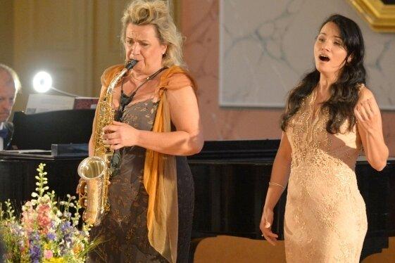 Sopranistin Lindsay Funchal, Anja Bachmann (Klarinette, Saxophon) und Jörg Pitschmann am Flügel begeisterten im Städtischen Festsaal.