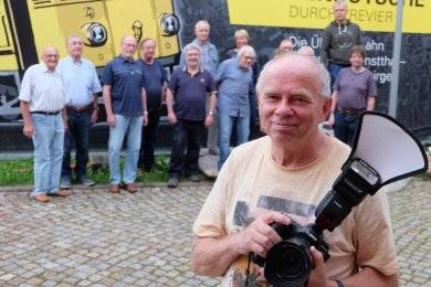Christian Scholz, der sächsische Landesvorsitzende des Deutschen Verbandes für Fotografie, hat den Mitgliedern des Oelsnitzer Fotoclubs wertvolle Tipps gegeben, worauf Juroren bei Fotowettbewerben achten.