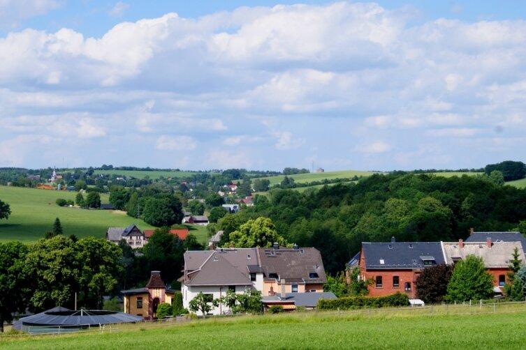 Vom Jakobsweg aus ergibt sich dieser Blick Richtung Waldkirchen.