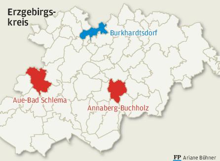 Normalerweise tagt der Kreistag in Annaberg-Buchholz, seit Corona wurde nach Aue ins Stadion ausgewichen. Nun also Burkhardtsdorf. Ob dies zur Regel wird, ist noch offen. Bürgermeister Jörg Spiller weiß es auch nicht.