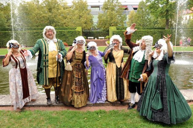 Barockfest im Schlosspark Lichtenwalde: Für ein Wochenende herrscht höfisches Treiben auf dem Lande. Auch Reichsherren sind vor Ort.