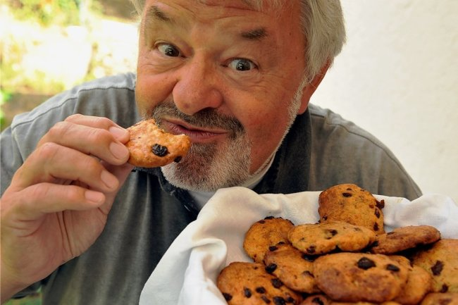 Keseküchlein heißt eine Köstlichkeit, die Hans-Dieter Zwahr in seiner Küche zaubert und zum kulinarischen Treffen in Augustusburg anbieten wird. Der Neukirchener (bei Stollberg) weiß die Arbeit in der Hofküche zu schätzen.