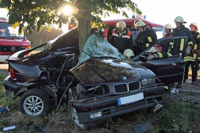 Ein schwerer Verkehrsunfall hat sich am Freitag zwischen Lauterbach und Lauta ereignet.