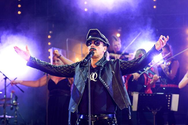 Zum traditionellen Eröffnungskonzert des Mittelsächsischen Kultursommers gab es die Musik von Queen, gespielt von der Band MerQury und dem Berlin String Orchestra.