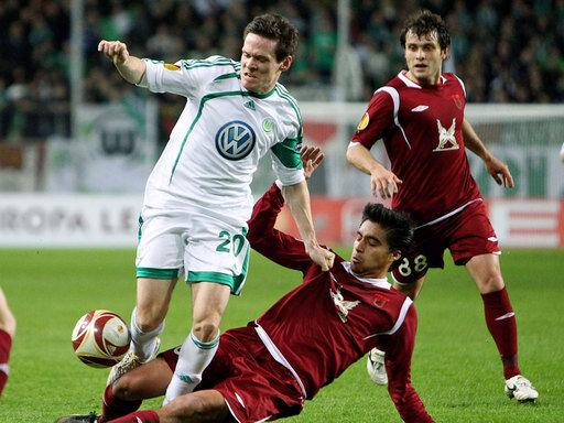 Sascha Riether und der VfL Wolfsburg stehen im Viertelfinale