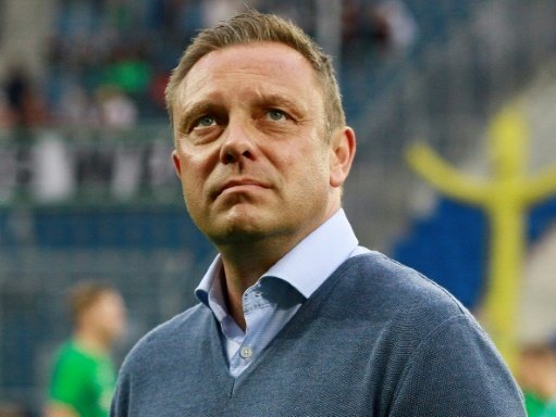 96-Coach Breitenreiter und sein Team siegen gegen Udine