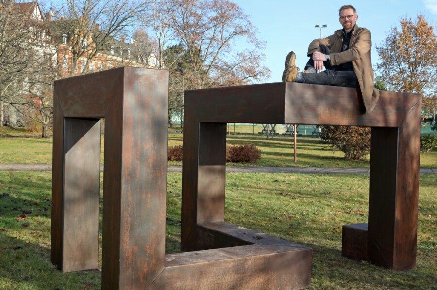 Künstler Uwe Fährmann schenkte seiner Heimatstadt diese Skulptur.