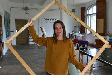 Katja Glänzel stellt sich am Sonntag von 10 bis 18 Uhr in ihrem neuen Atelier Dock 4 im Güterschuppen am Bahnhof in Frankenberg vor.