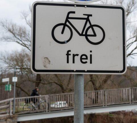 Die Bedingungen für den Radverkehr in der Region sollen sich verbessern. Elf Kommunen wollen das gemeinsam erreichen. Unter ihnen ist Rochlitz, hier eine Aufnahme am Schaukelsteg an der Mulde.