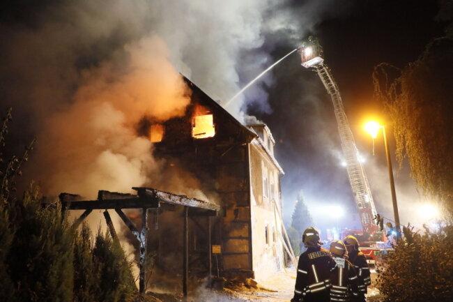 Das Wohnhaus wurde durch das Feuer komplett zerstört.