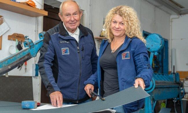 Bad-Heizung-Dach: Die Firma Ficker in Werda existiert seit 90 Jahren. Hier im Bild: Karl Heinz Ficker (72), der 2014 das Zepter an Tochter Doreen Liebold (41) und damit an die dritte Generation weitergegeben hat.