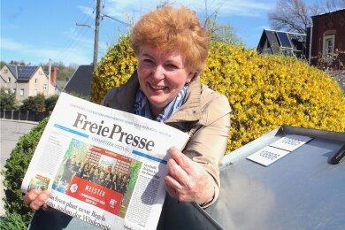 Siegrid Lefold trägt täglich die Zeitung aus. Dafür steht sie morgens halb zwei Uhr auf. Belohnt werde sie auch mit Dankbarkeit.