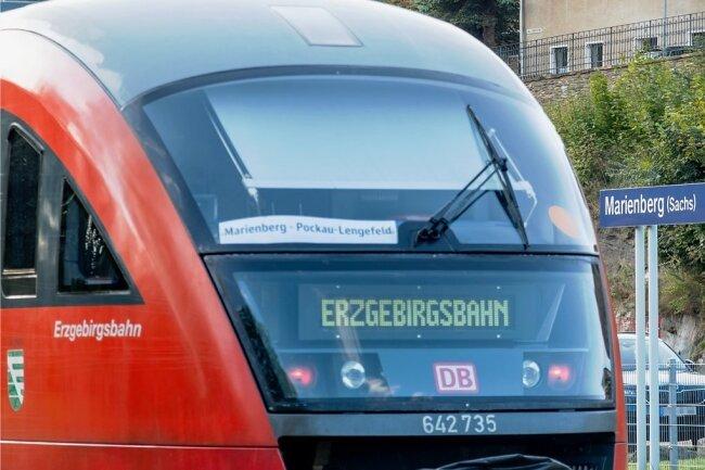 Ein Bild aus dem Jahr 2019, als die Erzgebirgsbahn anlässlich einer Festwoche einen Wochenendpendelverkehr zwischen Marienberg und Pockau-Lengefeld einrichtete. Regulär fahren seit 2013 keine Züge mehr.