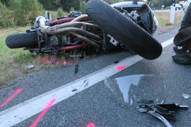 Fünf Verletzte bei Unfall auf Eibenstocker Straße