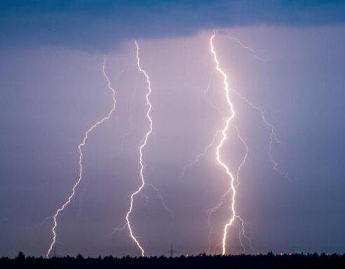 Wetterdienst warnt vor schweren Gewittern in Sachsen