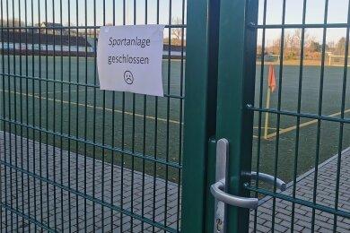 Derzeit ist zwar wieder Jugendtraining in Kleingruppen und ohne Kontakt erlaubt, aber wie lange noch? Für ältere Fußballer sind die Sportstätten ohnehin Verbotszone. Also wird die Fußballsaison 2020/2021 am kommenden Samstag endgültig für beendet erklärt.