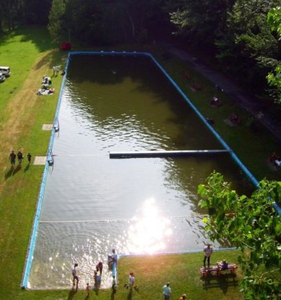 Ein Blick auf das Oberbobritzscher Naturbad im Jahr 2006.