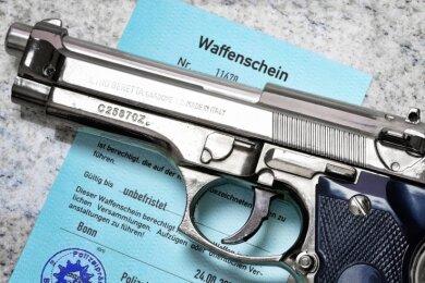 Jede Waffe muss in der Waffenbesitzkarte eingetragen sein. 2019 wurden im Landkreis so viele Waffenscheine wie noch nie eingezogen.