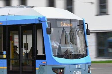 Noch fährt die Linie 1 nur bis Schönau. Geht es nach Stadt und CVAG, soll sie nach dem Kulturhauptstadtjahr 2025 um mehrere Kilometer bis zur Kirche in Reichenbrand verlängert werden.
