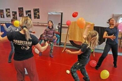 Das Zwickauer Mondstaubtheater hat wieder mit Kursen für Kinder und Jugendliche begonnen - in kleinen Gruppen und mit Hygienemaßnahmen.