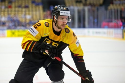 Marcel Noebels spielt bei den Boston Bruins vor