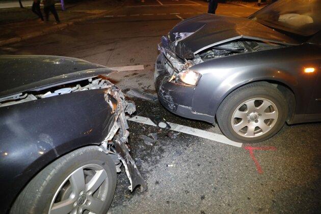 Autos nach Kollision nicht mehr fahrbereit