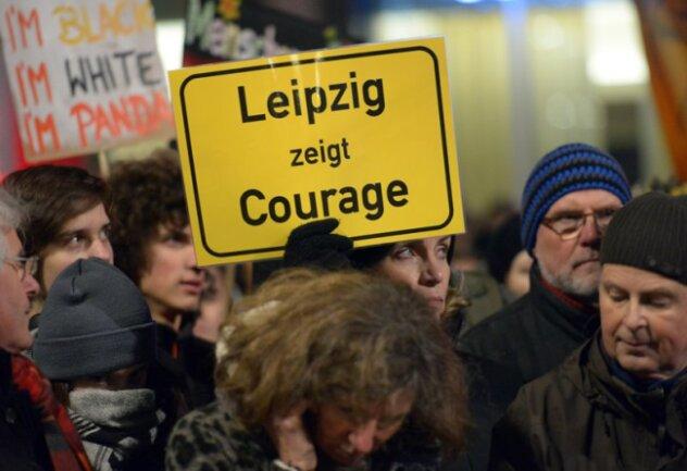 Gegenprotest: Tausende stellten sich dem Legida-Bündnis in den Weg.