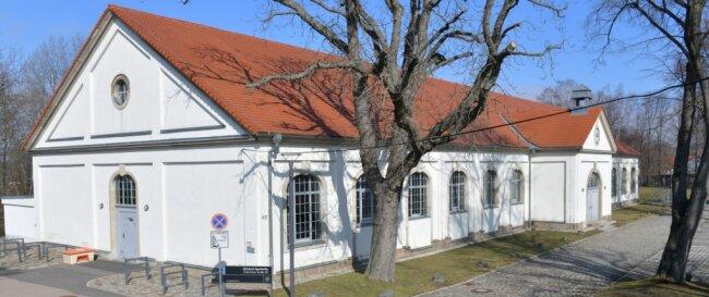Vorübergehend zur Impfstelle umfunktioniert: Freibergs Sporthalle der TU Bergakademie an der Chemnitzer Straße.