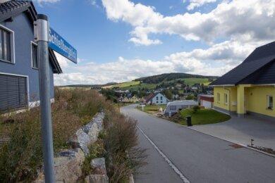 """2013 ist die Erschließung des Crottendorfer Wohngebietes """"Schießbergblick"""" abgeschlossen worden. Nun sind nach weiteren Verkäufen nur noch wenige Grundstücke frei."""