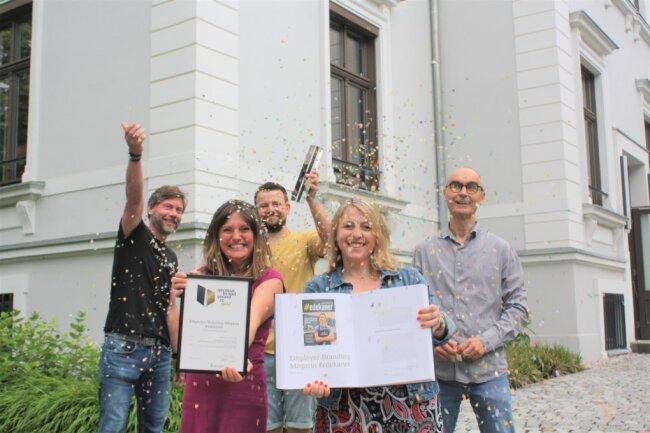 Axel Neumann, Katrin Lang, Oliver Reichert, Katina Scholz und Dirk Hanus (von links) feiern die Anerkennung ihrer Arbeit bei Zebra.