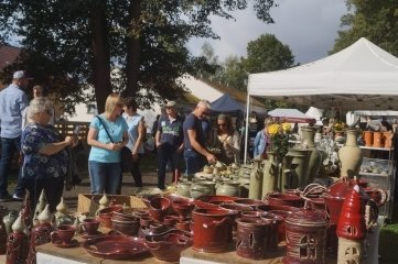 40 Stände von Töpfern waren am Wochenende in Waldenburg aufgebaut. Die Besucher zeigten großes Interesse an den Waren.