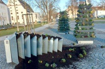 Eine Pflanzpyramide nahe Schloss Osterstein wurde umgeworfen.