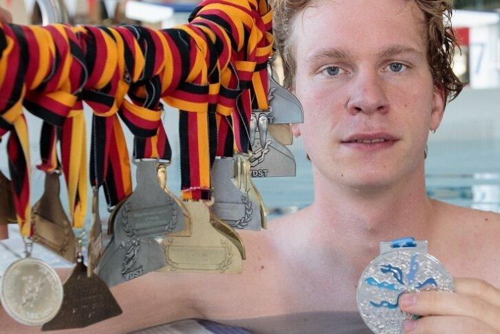 In seiner aktiven Zeit beim TC Nemo Plauen fischte Christian Höra jede Menge Edelmetall, sowohl in der Halle als auch im Freiwasser. Dabei hatten es ihm vor allem die Langstrecken angetan.