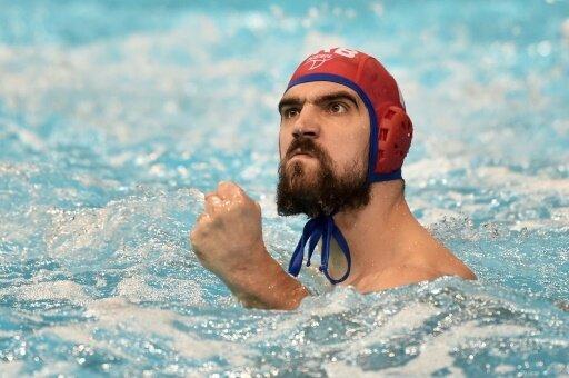 Serbiens Torhüter Gojko Pijetlovic freut sich