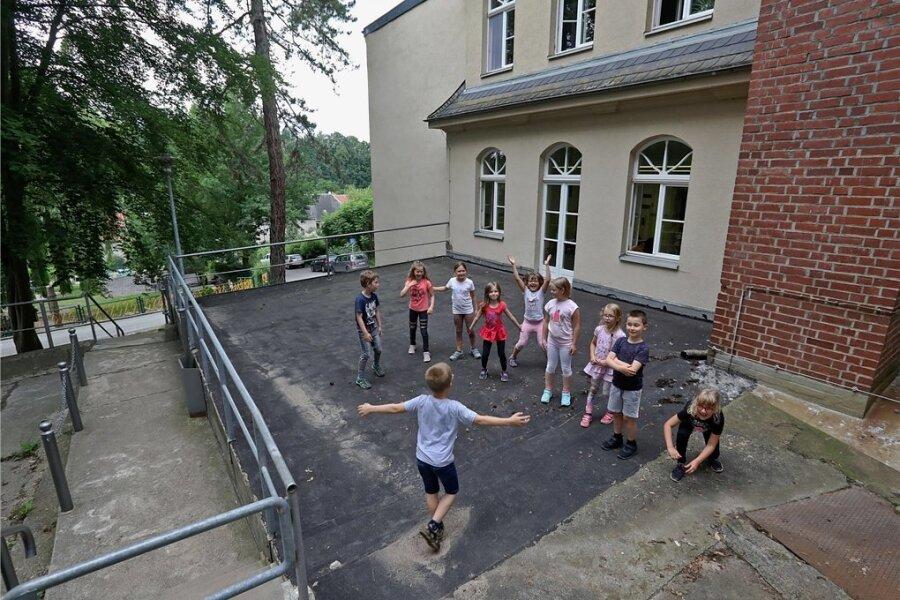 Auf den alten Kohlebunker kommt eine Terrasse für Unterricht an der frischen Luft. Foto: Andreas Kretschel