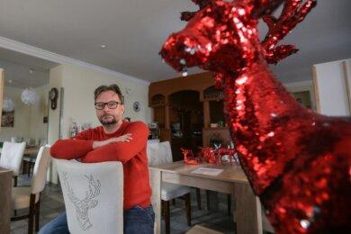 """Seit Anfang November darf Jan Kösters in seiner Gaststätte """"Roter Hirsch"""" in Claußnitz niemanden mehr bewirten.Er fordert von der Politik, der Branche eine Perspektive zu geben, wie es dieses Jahr weitergehen soll."""