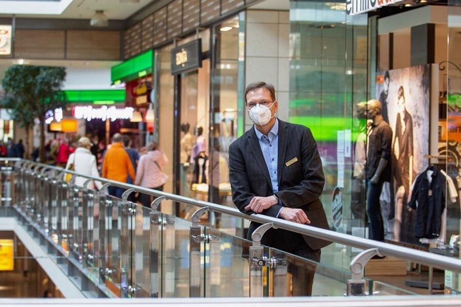 Freut sich nach der langen Shopping-Durststrecke über die enorme Belebung seines Centers: Ingo Hummel, technischer Leiter der Plauener Stadt-Galerie.