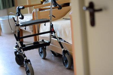 Arbeitgeber sehen bessere Personalausstattung in der Pflege