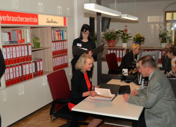 Die Beratungsstelle Auerbach der Verbraucherzentrale bei der Wiedereröffnung.