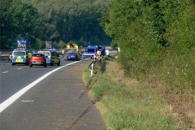 Auf der A 4 ereignete sich am 20. August bei Siebenlehn ein schwerer Unfall, bei dem ein junger Mann aus dem Erzgebirge tödlich verunglückte. Foto: Harry Haertel/Archiv