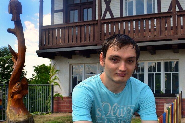 Weikhardt Kretschmer-Eisenschmidt ist Sozialarbeiter im Freizeitzentrum. In den Räumen hinter ihm soll ein Jugendtreff entstehen.