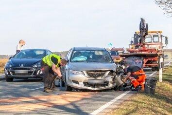 Die Verbindungsstraße zwischen Hormersdorf und Günsdorf war am Mittwoch aufgrund eines Unfalles dicht.
