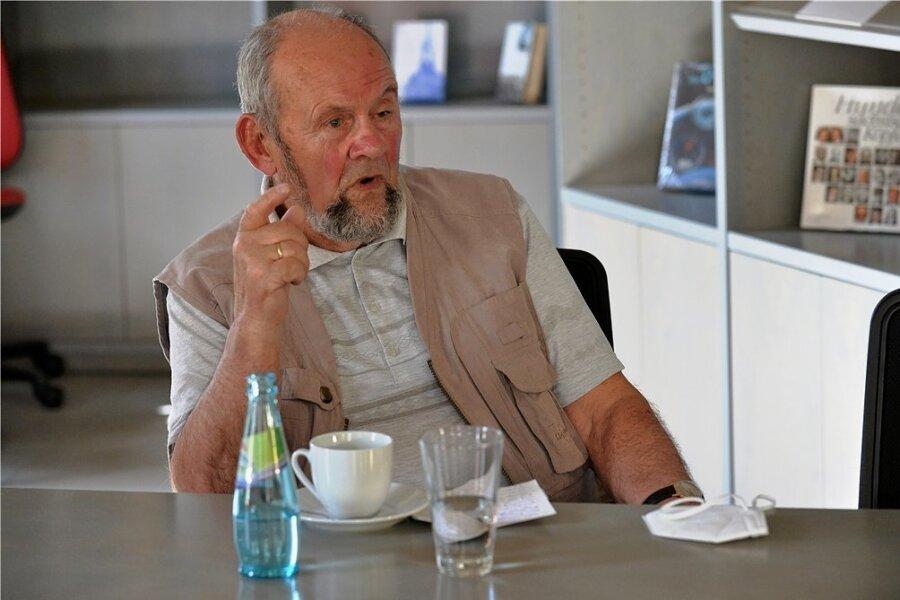 Peter Weinhold (83, parteilos) war 1996 bis 2004 Stadtrat mit CDU-Mandat in Freiberg. Von 2005 bis 2010 war der frühere Direktor der Clara-Zetkin-Schule auch Friedensrichter in Freiberg.