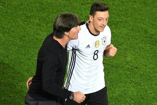 Özil und Löw lehnen einen Sportstudio-Besuch im ZDF ab