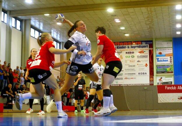 Die Handballerinnen vom BSV Sachsen Zwickau brachten den zweiten Sieg im zweiten Saisonspiel nach Hause.